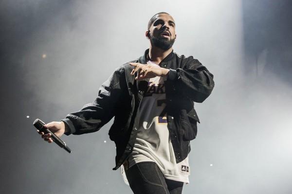 Drake obtiene 9 sobre 10, en el semanal del Spotify Global, domina con 'Nonstop'