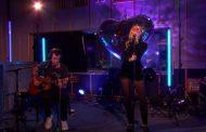 Miley Cyrus y Mark Ronson, y su impresionante versión del 'No Tears Left To Cry', de Ariana Grande