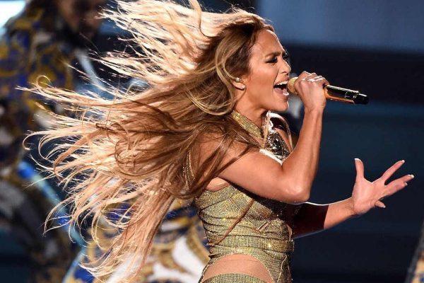 Jennifer Lopez anuncia gira para celebrar su 50 cumpleaños, 'It's My Party: The Live Celebration'