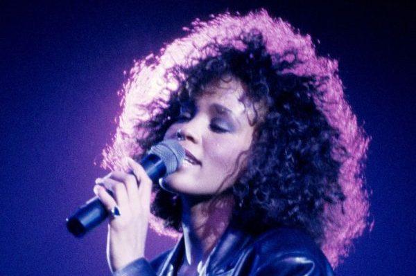 La RIAA actualiza ventas de 10 singles de Whitney Houston, 'I Will Always Love You' ahora está en 8 millones