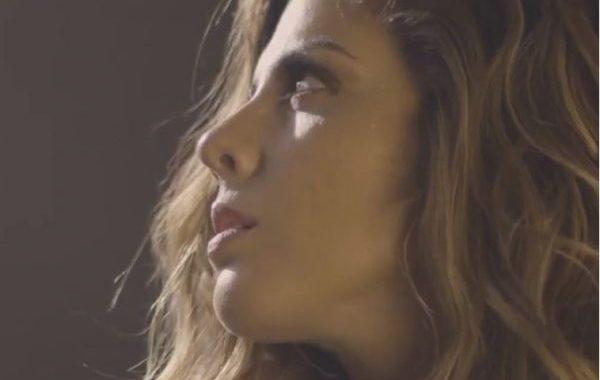 El vídeo de 'Mejor Sin Miedo', traslada en los planos de Miriam Rodríguez, la fuerza de su directo