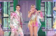 Taylor Swift abre los Billboard Music Awards, con una espectacular actuación de 'Me!' junto a Brendon Urie