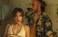 'Se iluminaba' replica su descomunal éxito italiano en España. La canción de Fred De Palma y Ana Mena ya es triple platino