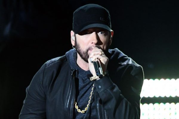 Eminem se queda con el momento de los Oscar y pone al público en pie con 'Lose Yourself'