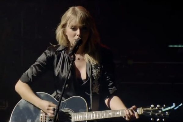 Así de espectacular luce 'The Man' en directo desde París, de Taylor Swift