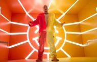 'Amarillo' se convierte en el séptimo #1 de J Balvin en nuestro Vinilo Top 100
