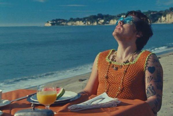 Columbia produce la tormenta perfecta para llevar a Harry Styles y su 'Watermelon Sugar', al #1 en los Estados Unidos
