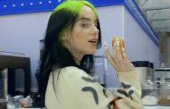 Billie Eilish consigue el #1 mundial con 'Therefore I Am'