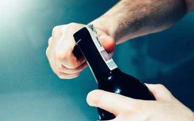 GUIDA E TUTORIAL per aprire correttamente una bottiglia di vino