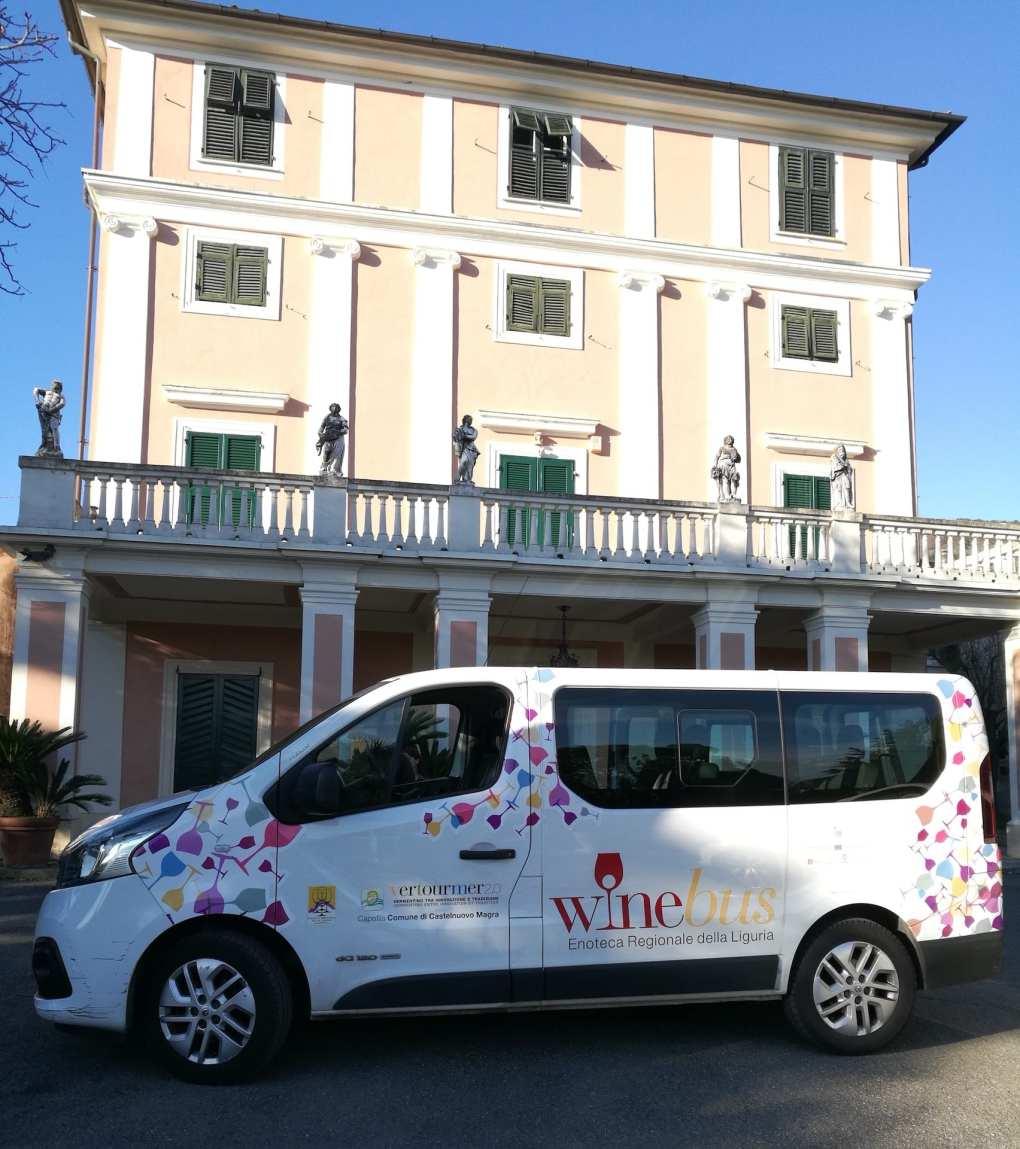Il Winebus dell'Enoteca Regionale della Liguria