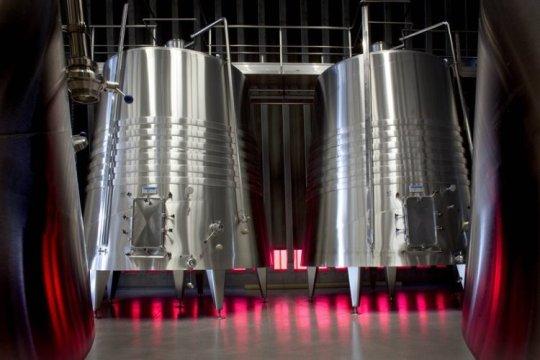 Detalle-depósitos-fermentación-alta-res.jpg