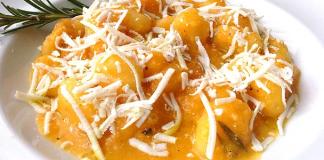 Gnocchi in salsa di zucca e cacioricotta