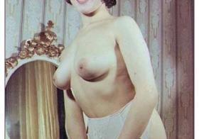 Peg Bundy Vintage Nude