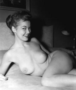 Pin-up Judy O'Day 69
