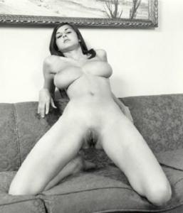 Busty bri nude