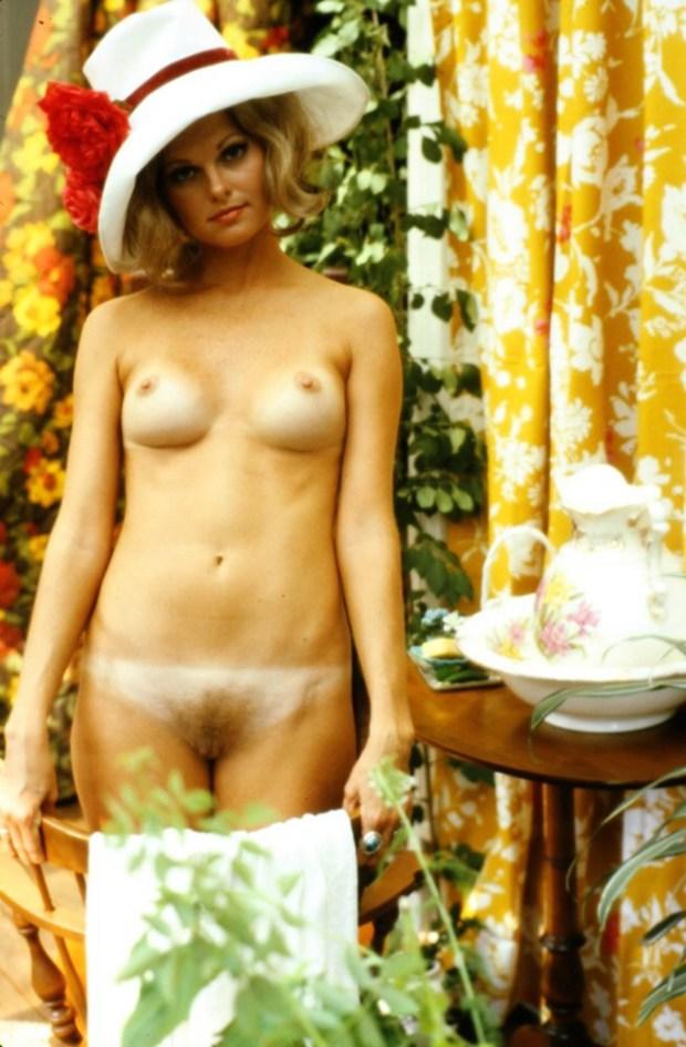 Naked at mardi gras - 3 4