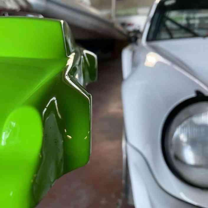 911_Porsche_RS_964_sculpture_green