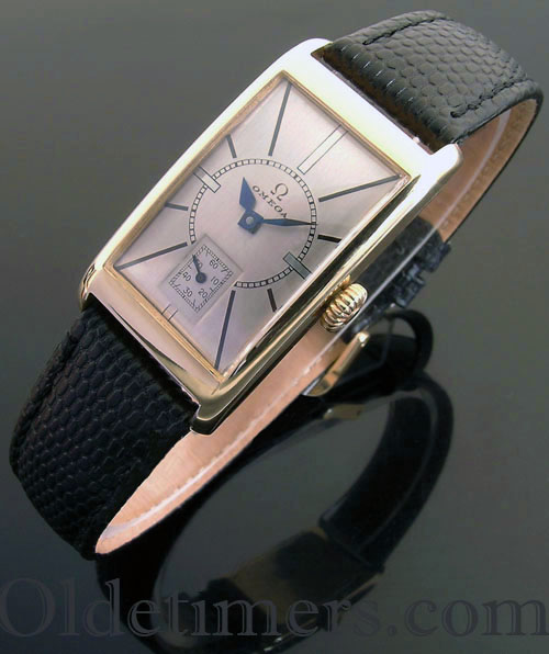 1930s 9ct gold rectangular vintage Omega watch (3904)