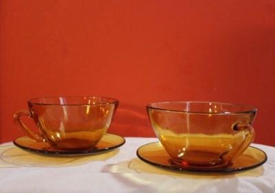 tasses et sous tasses vintage pour pause thé ou café