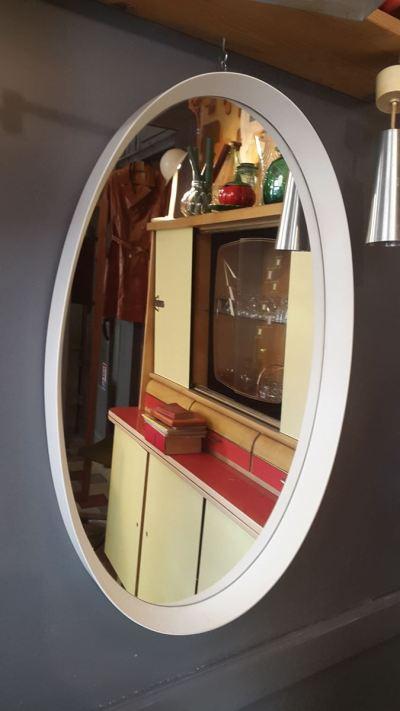 miroir ovale salon coiffure années 60