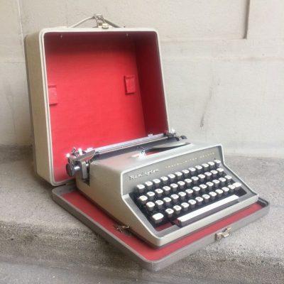 Machine à écrire mécanique Remington