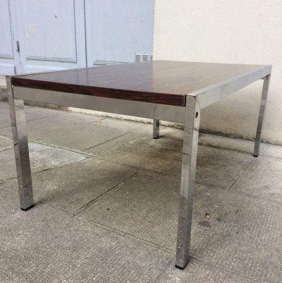 Table basse minimaliste vintage