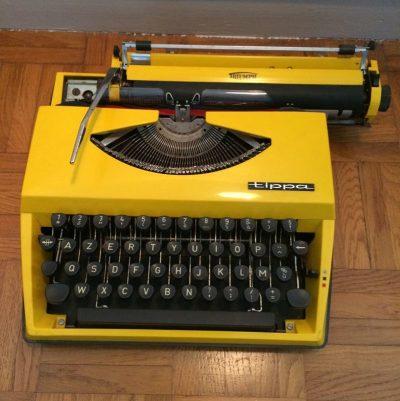 Ancienne machine à écrire vintage