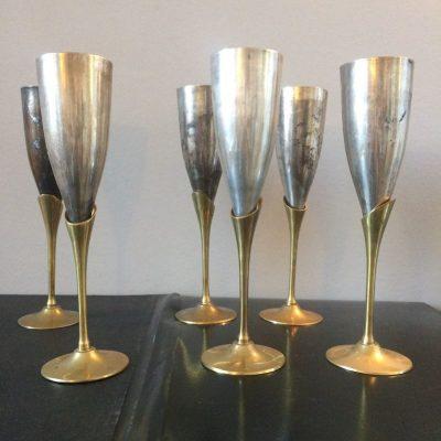 Ancienne flûte à champagne en laiton