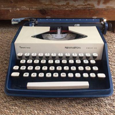 Machine à écrire Remington portative