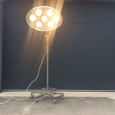 Ancienne lampe carrossier