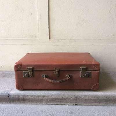 Ancienne valise des années 50