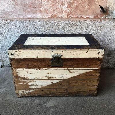 Ancien Coffre en bois vintage