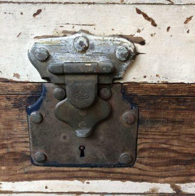 Ancienne Malle en bois vintage