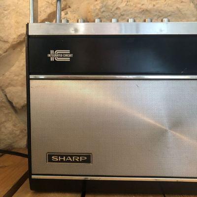 Radio vintage Sharp