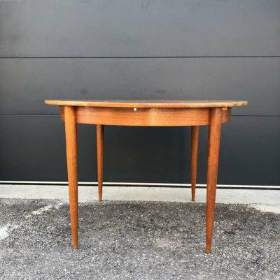 Table ronde salle à manger vintage
