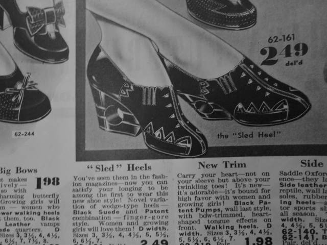 1940, 1941 women's vintage shoe with a cut out in the heel from Eatons catalog