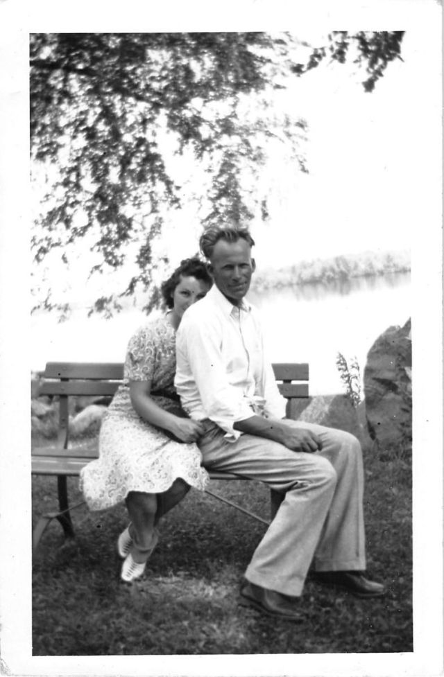 vintage photo of couple in love