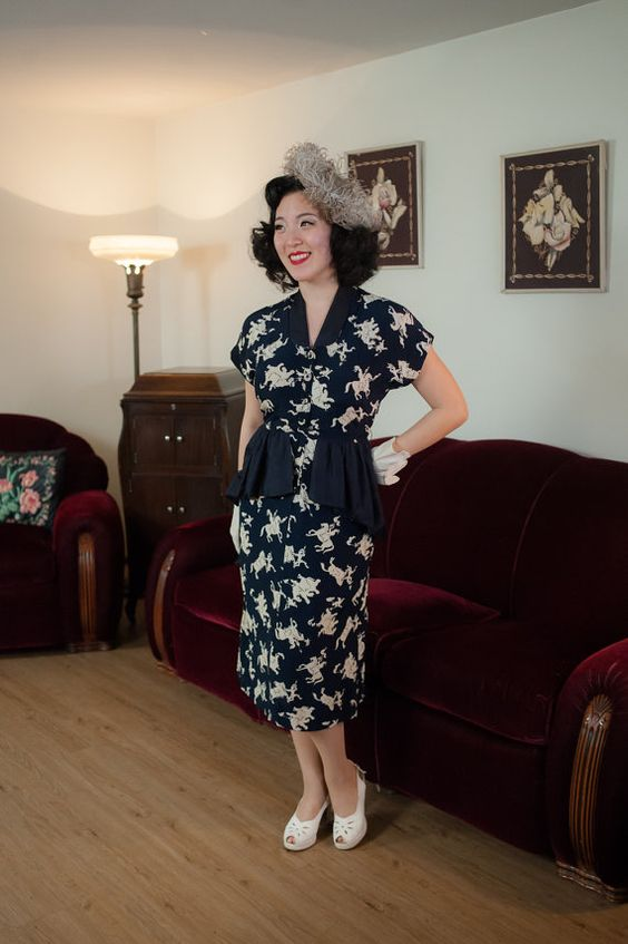 1940s peplum vintage dress novelty