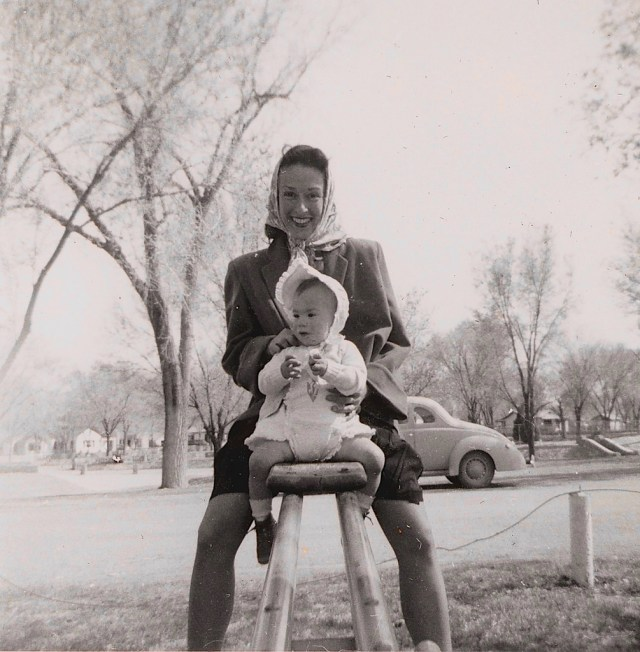 1950s vintage image of mother and child