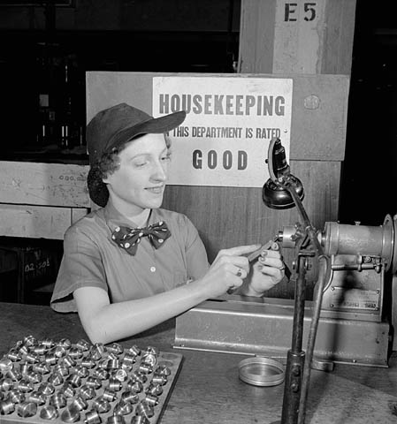 1940s-canadian-woman-at-work-in-a-factory