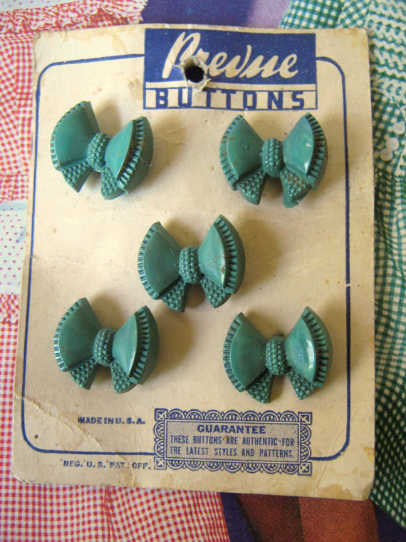 1940s-vintage-buttons