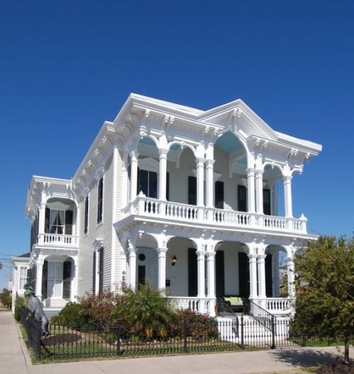 galveston-texas-vintage-victorian-home