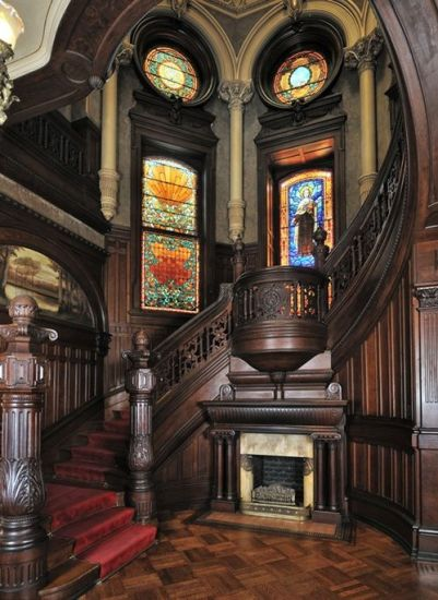 grand-staircase-bishop-palace