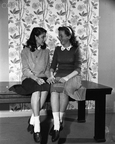 1940s bobby soxers teenagers vintage image