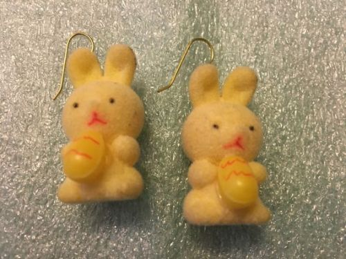 Vintage 1940s-1950s Flocked Easter Holiday White Bunny Rabbit Earrings