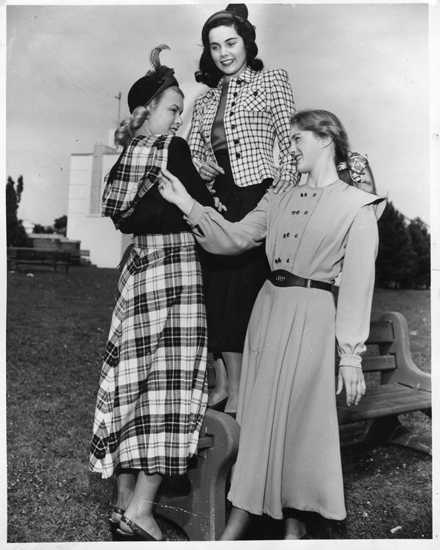 1940s Young Womens fashion