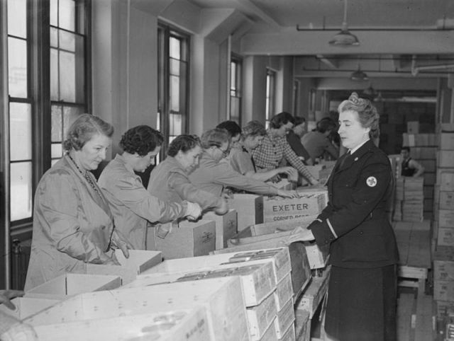 1940s Canadian Women helping on the homefront vintage photo