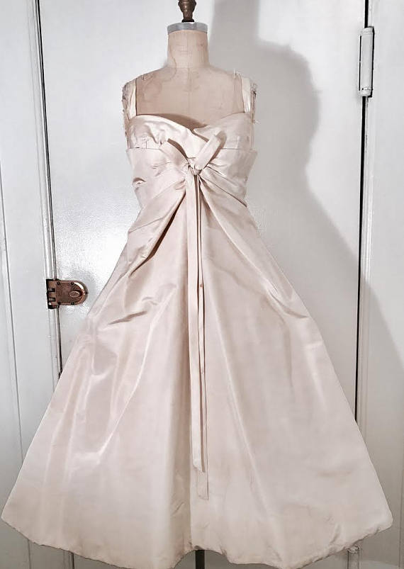 Christian Dior 1956 haute couture numbered off white silk Femme Fleur look ball gown Wedding Made in France