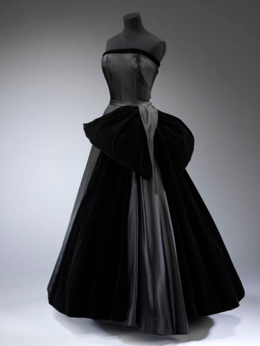 Christian Dior 1949 Dress From Victoria and Albert Musuem