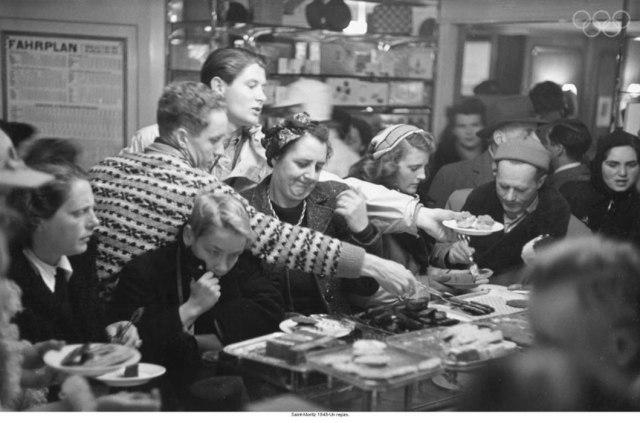 Saint-Moritz 1948-A lunch